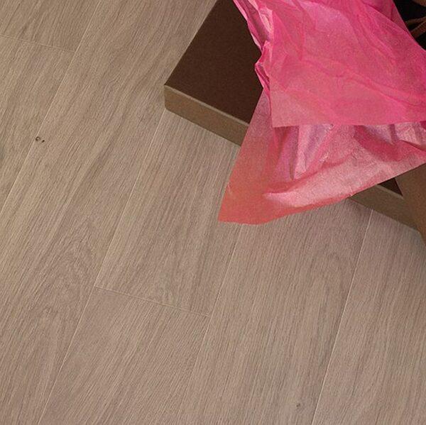 Ламинат Юнилин/Квик-Степ Перспектива 9.5/32 (950) UF1384 Доска дуба натурального традиционного (фото v2v1)