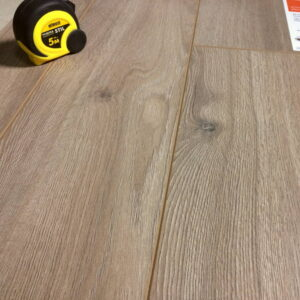 laminate-tarkett-dynasty-1233-bourbon-720x720-v1v0q70