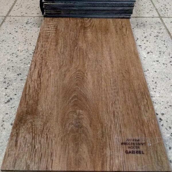 pvc-tile-tarkett-art-vinyl-progressive-house-gabriel-720x720-v1v0q70