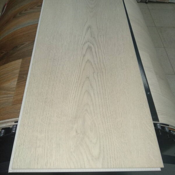 spc-tile-afloor-premier-2007-oak-scythian-720x720-v1v0q70