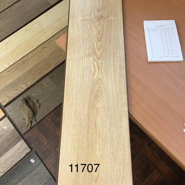 laminate-mostflooring-brilliant-a11707-720x720-v1v0q70
